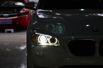 13款宝马X1车灯改装海拉透镜欧司朗氙气灯