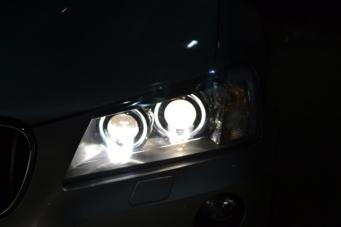 宝马X3车灯升级4透镜氙气灯 海拉5透镜欧司朗氙气灯
