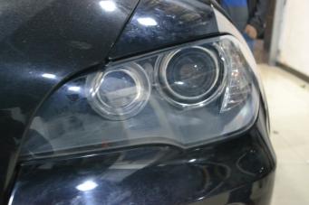 08款宝马X5车灯改装海拉5透镜欧司朗氙气灯