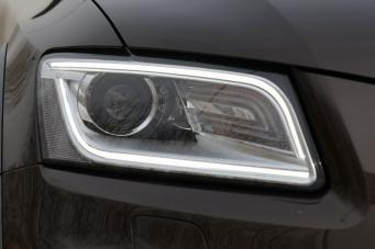 奥迪Q5氙气大灯奥迪Q5老款改新款奥迪Q5原厂大灯总成改装重庆改灯