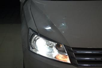13款桑塔纳车灯改装透镜氙气灯