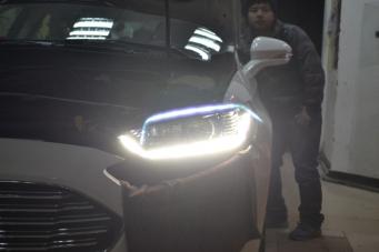 13款蒙迪欧全LED大灯总成