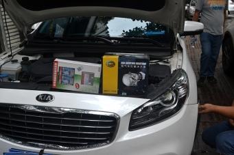起亚K4车灯改装进口海拉套装搭配欧司朗超亮套装