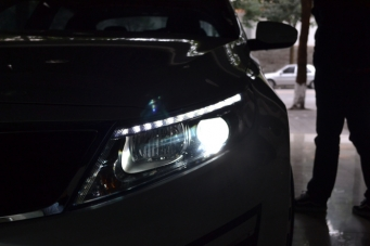 15款K5车灯改装进口海拉透镜欧司朗氙气灯