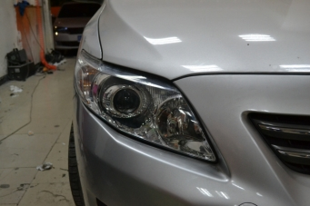 09款卡罗拉车灯改装