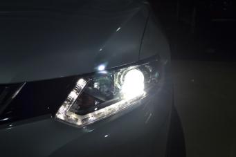 奇骏车灯改装Q5透镜氙气灯黄金眼雾灯
