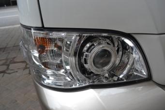 金杯车灯改装海拉透镜欧司朗氙气灯