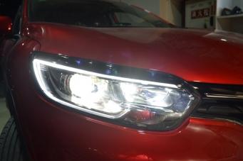 雷诺科雷嘉车灯改装海拉透镜欧司朗氙气灯