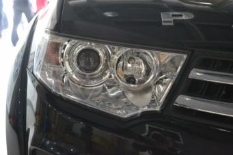 劲畅车灯改装Q5透镜欧司朗氙气灯