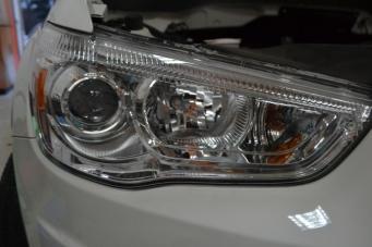 劲炫车灯改装透镜氙气灯