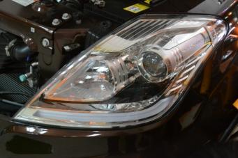 雷斯特车灯改装透镜氙气灯