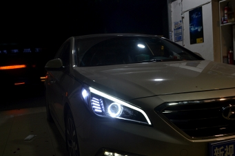 索纳塔9代车灯改装天使眼灯眉 重庆车灯改装