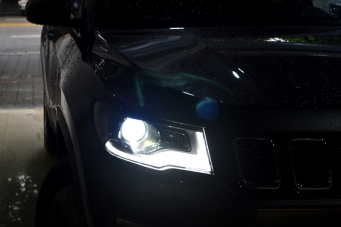 2017款指南者车灯改装海拉透镜欧司朗氙气灯重庆首台车灯升级改装